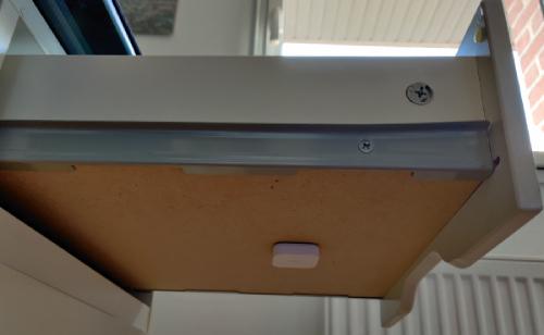 Positionner le capteur de vibration Xiaomi pour détecter l'ouverture d'un tiroir