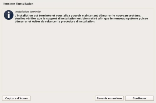 Installer Debian 10 sur une machine virtuelle Proxmox