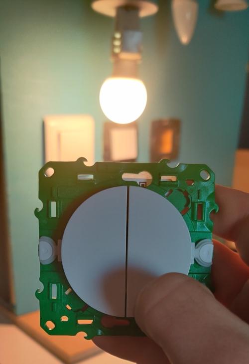 Allumer ampoule avec interrupteur SFSP et actionneur DCL